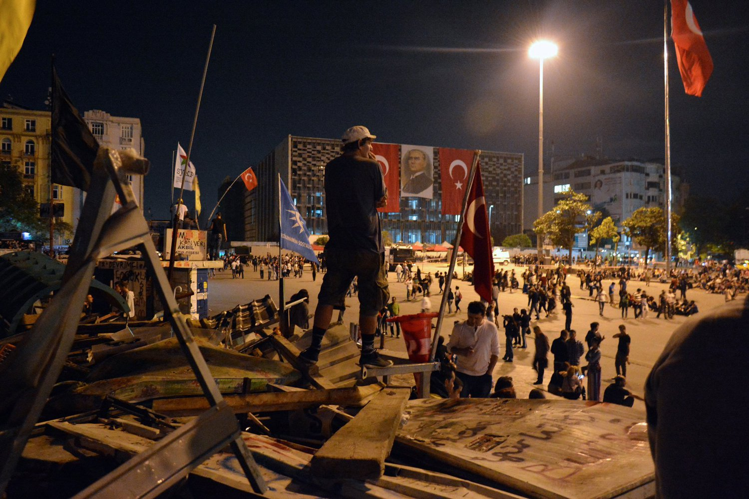 Taksim-Sq-Protests-TurkeyMAIN